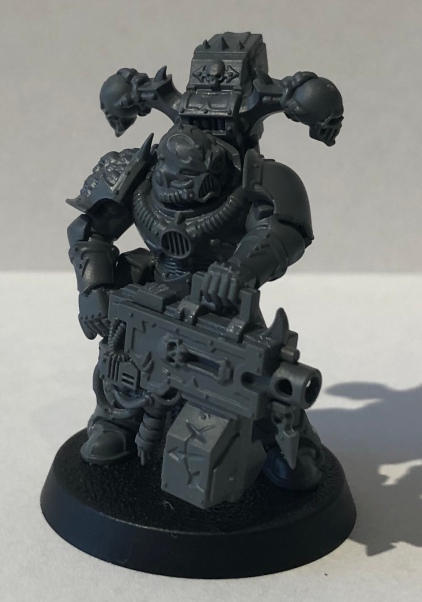 The poor heavy bolter. A really cool model, but one that will probably be replaced by the new Reaper Chain-Cannon as soon as I can.
