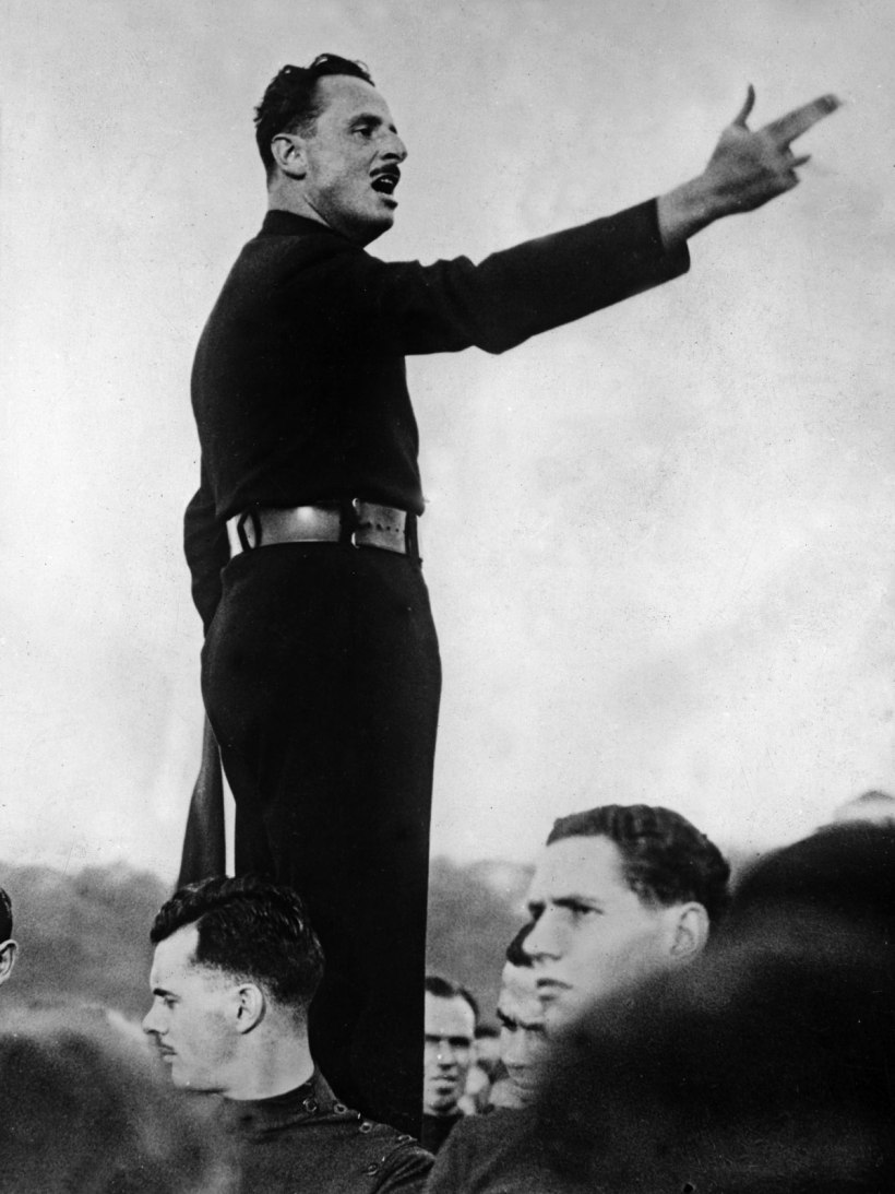 Oswald-Mosley-rally-London